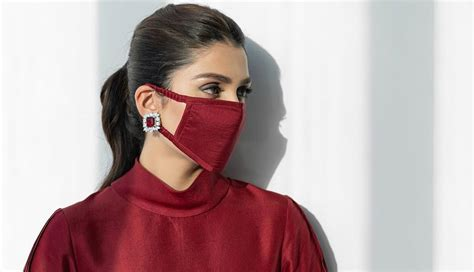Aiza Khan Flaunts Her Outfit with a Face mask